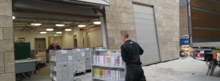 Jan de Jong Verhuizingen zet Roldo Rent Smart Cart in voor verhuizing bieb en bios Groningen